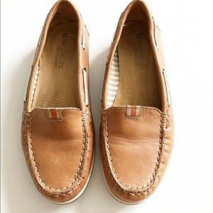 Naturalizer N5 comfort tan boat shoes